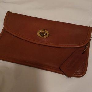 Vintage COACH cognac clutch/ wallet